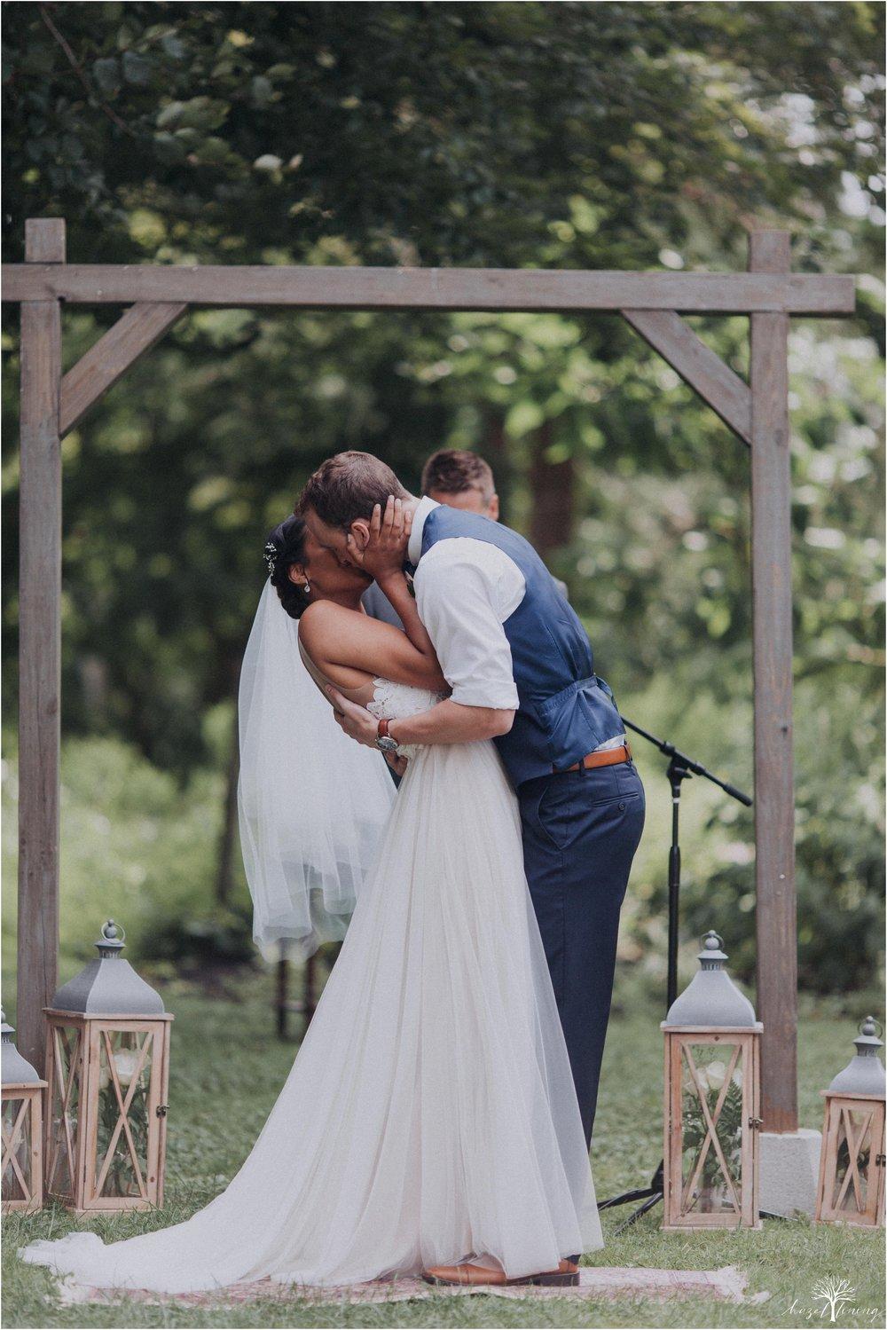 mariah-kreyling-samuel-sherratt-sherrattwiththeworld-peirce-farm-at-witch-hill-boston-massachusetts-wedding-photography-hazel-lining-travel-wedding-elopement-photography_0099.jpg
