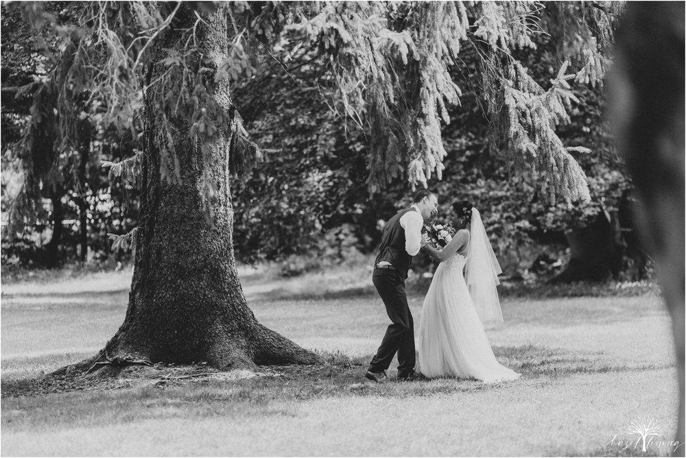 mariah-kreyling-samuel-sherratt-sherrattwiththeworld-peirce-farm-at-witch-hill-boston-massachusetts-wedding-photography-hazel-lining-travel-wedding-elopement-photography_0105.jpg