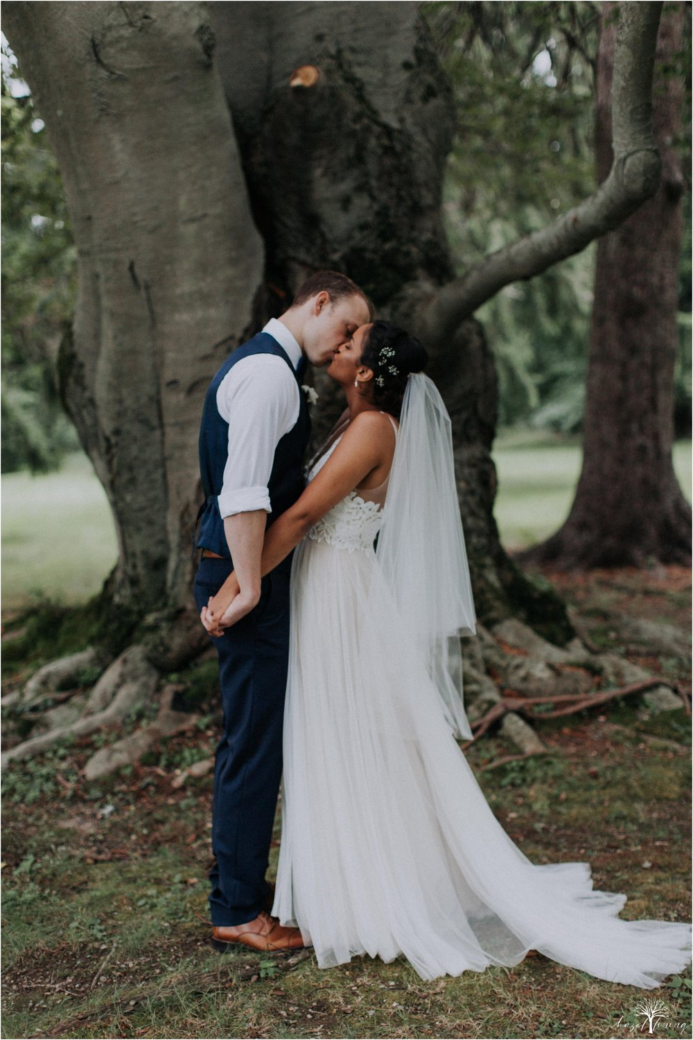 mariah-kreyling-samuel-sherratt-sherrattwiththeworld-peirce-farm-at-witch-hill-boston-massachusetts-wedding-photography-hazel-lining-travel-wedding-elopement-photography_0116.jpg