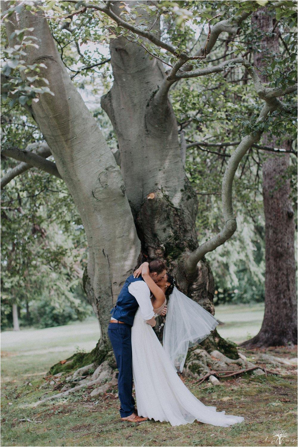 mariah-kreyling-samuel-sherratt-sherrattwiththeworld-peirce-farm-at-witch-hill-boston-massachusetts-wedding-photography-hazel-lining-travel-wedding-elopement-photography_0119.jpg
