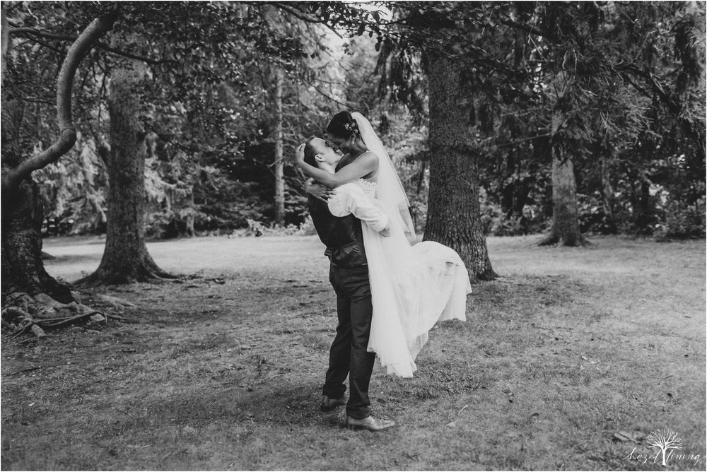 mariah-kreyling-samuel-sherratt-sherrattwiththeworld-peirce-farm-at-witch-hill-boston-massachusetts-wedding-photography-hazel-lining-travel-wedding-elopement-photography_0122.jpg