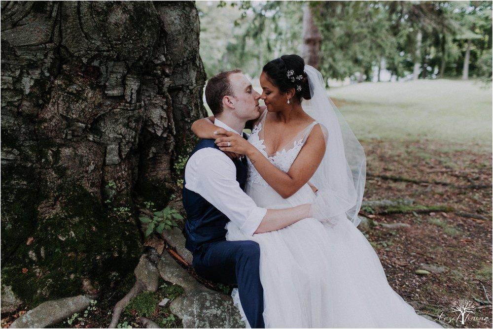mariah-kreyling-samuel-sherratt-sherrattwiththeworld-peirce-farm-at-witch-hill-boston-massachusetts-wedding-photography-hazel-lining-travel-wedding-elopement-photography_0125.jpg