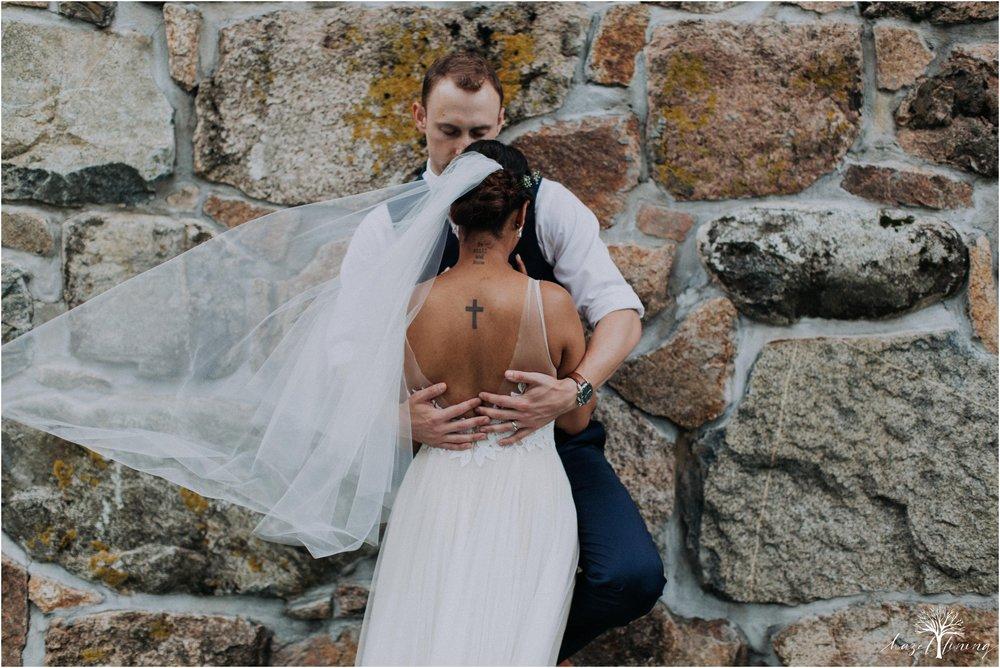 mariah-kreyling-samuel-sherratt-sherrattwiththeworld-peirce-farm-at-witch-hill-boston-massachusetts-wedding-photography-hazel-lining-travel-wedding-elopement-photography_0138.jpg