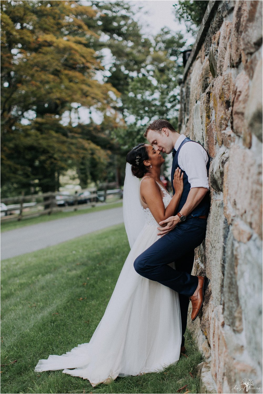 mariah-kreyling-samuel-sherratt-sherrattwiththeworld-peirce-farm-at-witch-hill-boston-massachusetts-wedding-photography-hazel-lining-travel-wedding-elopement-photography_0140.jpg