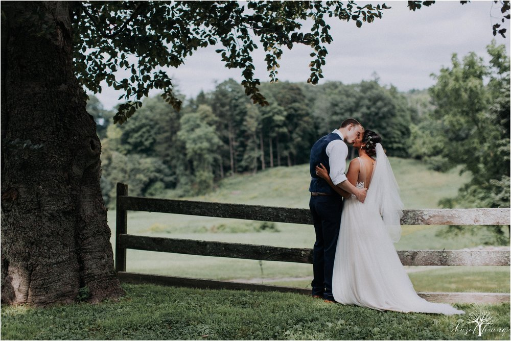 mariah-kreyling-samuel-sherratt-sherrattwiththeworld-peirce-farm-at-witch-hill-boston-massachusetts-wedding-photography-hazel-lining-travel-wedding-elopement-photography_0146.jpg