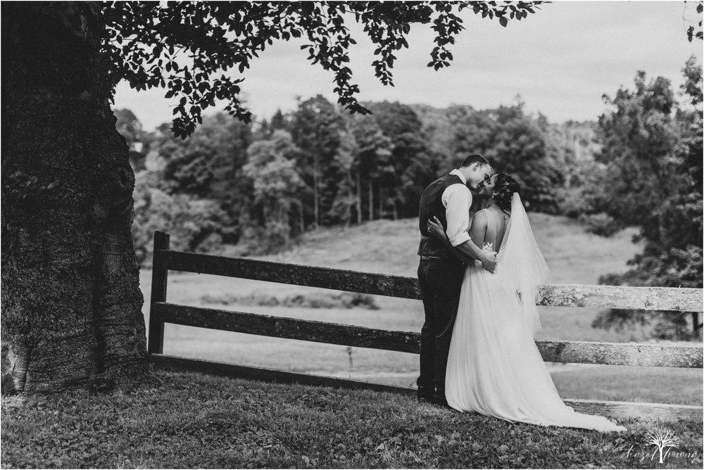 mariah-kreyling-samuel-sherratt-sherrattwiththeworld-peirce-farm-at-witch-hill-boston-massachusetts-wedding-photography-hazel-lining-travel-wedding-elopement-photography_0147.jpg