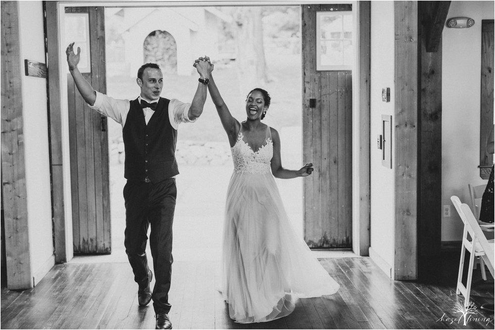 mariah-kreyling-samuel-sherratt-sherrattwiththeworld-peirce-farm-at-witch-hill-boston-massachusetts-wedding-photography-hazel-lining-travel-wedding-elopement-photography_0157.jpg