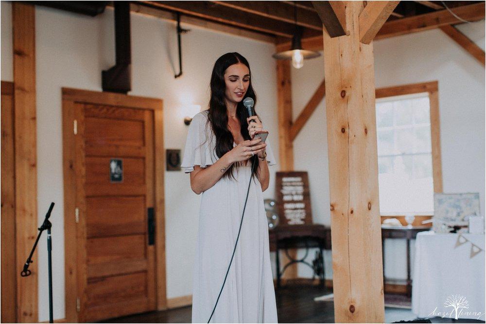 mariah-kreyling-samuel-sherratt-sherrattwiththeworld-peirce-farm-at-witch-hill-boston-massachusetts-wedding-photography-hazel-lining-travel-wedding-elopement-photography_0168.jpg