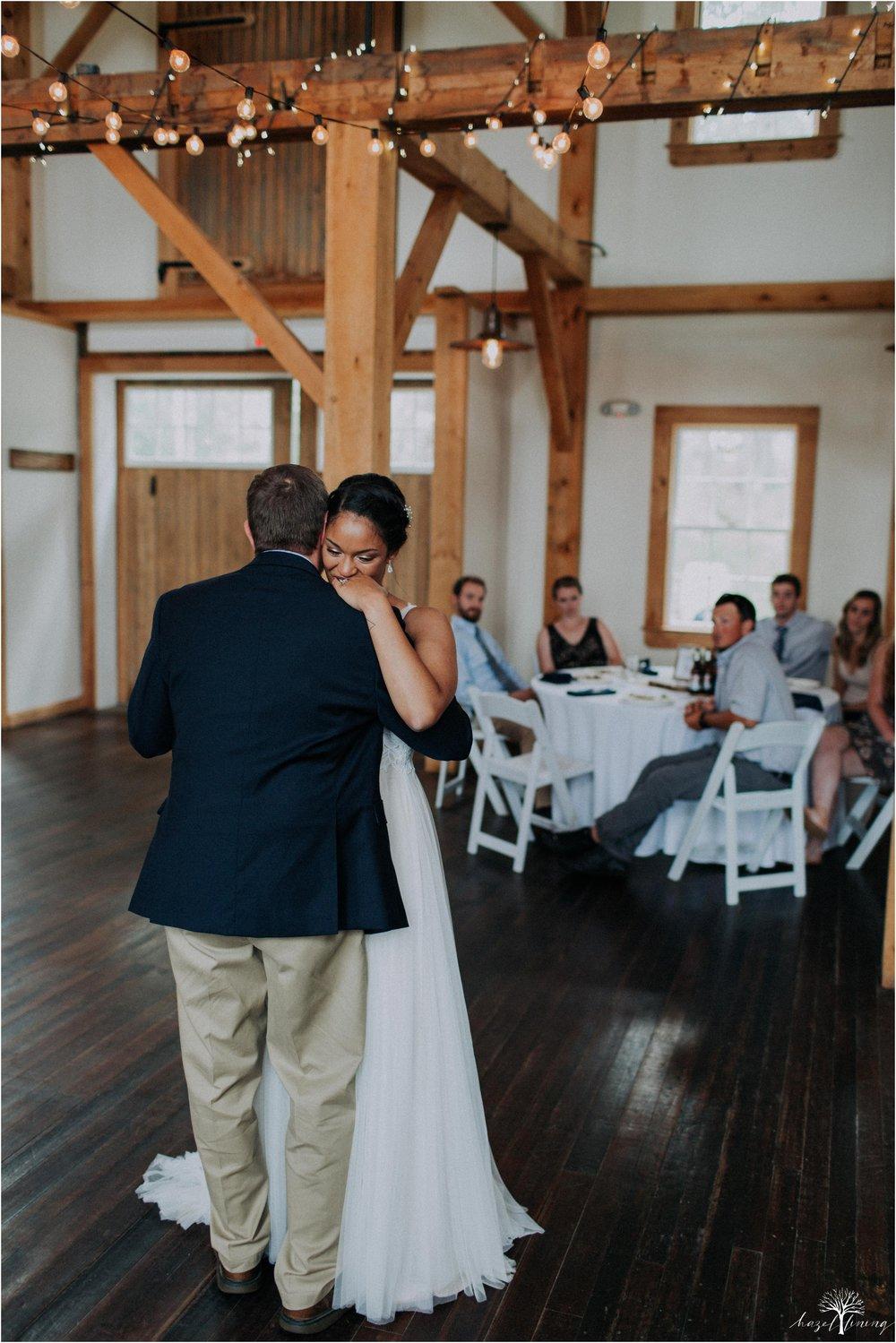 mariah-kreyling-samuel-sherratt-sherrattwiththeworld-peirce-farm-at-witch-hill-boston-massachusetts-wedding-photography-hazel-lining-travel-wedding-elopement-photography_0171.jpg