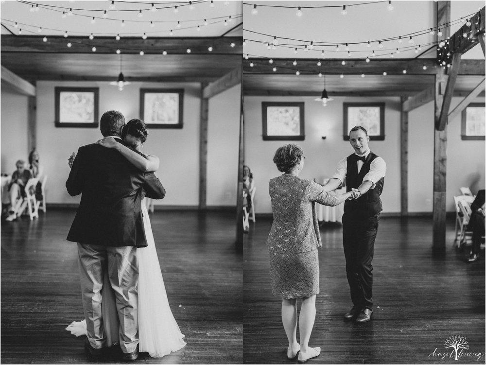 mariah-kreyling-samuel-sherratt-sherrattwiththeworld-peirce-farm-at-witch-hill-boston-massachusetts-wedding-photography-hazel-lining-travel-wedding-elopement-photography_0172.jpg