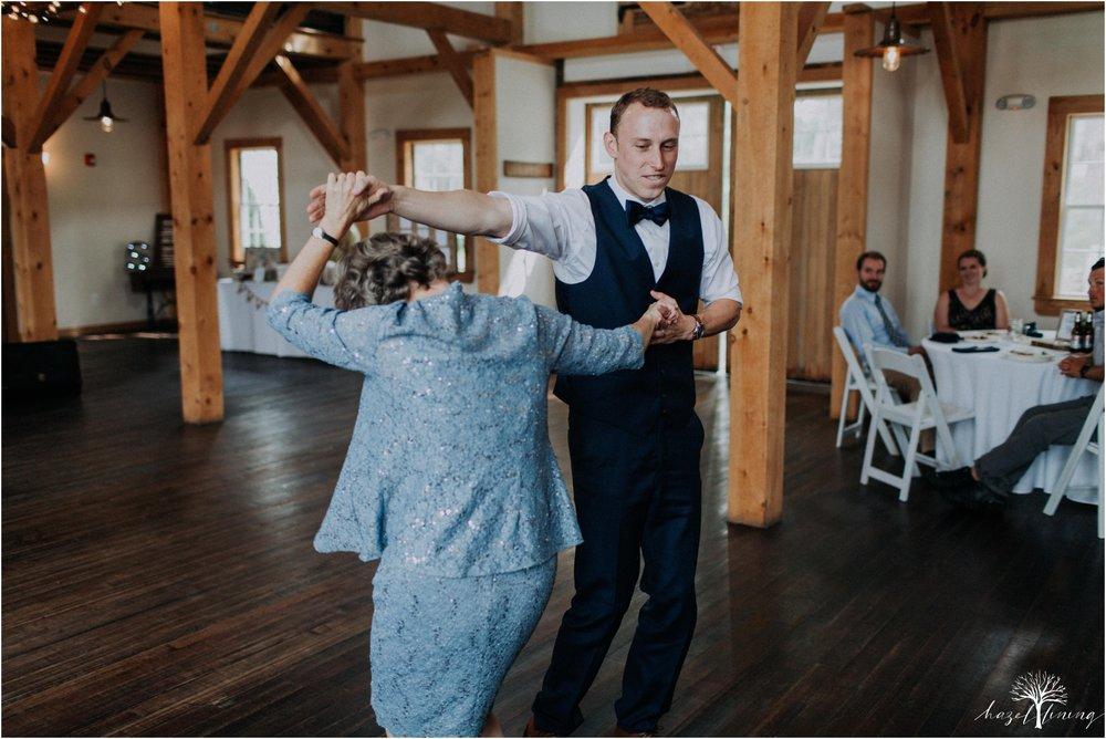 mariah-kreyling-samuel-sherratt-sherrattwiththeworld-peirce-farm-at-witch-hill-boston-massachusetts-wedding-photography-hazel-lining-travel-wedding-elopement-photography_0174.jpg