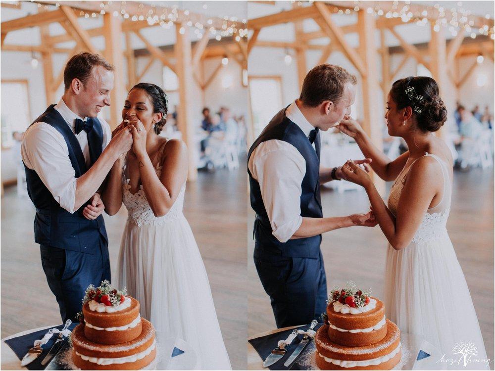 mariah-kreyling-samuel-sherratt-sherrattwiththeworld-peirce-farm-at-witch-hill-boston-massachusetts-wedding-photography-hazel-lining-travel-wedding-elopement-photography_0176.jpg