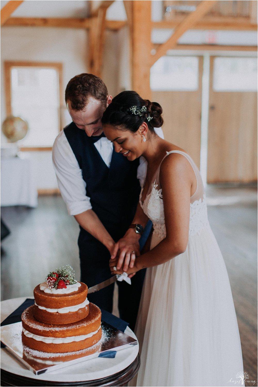 mariah-kreyling-samuel-sherratt-sherrattwiththeworld-peirce-farm-at-witch-hill-boston-massachusetts-wedding-photography-hazel-lining-travel-wedding-elopement-photography_0175.jpg
