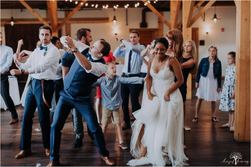 mariah-kreyling-samuel-sherratt-sherrattwiththeworld-peirce-farm-at-witch-hill-boston-massachusetts-wedding-photography-hazel-lining-travel-wedding-elopement-photography_0186.jpg