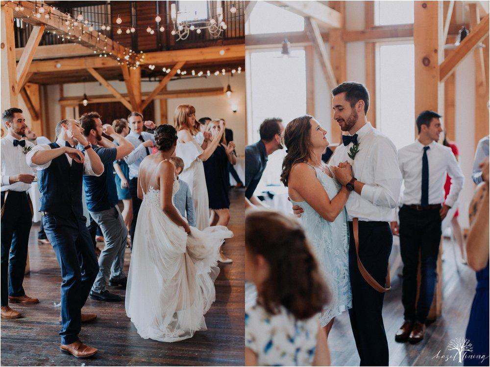 mariah-kreyling-samuel-sherratt-sherrattwiththeworld-peirce-farm-at-witch-hill-boston-massachusetts-wedding-photography-hazel-lining-travel-wedding-elopement-photography_0187.jpg