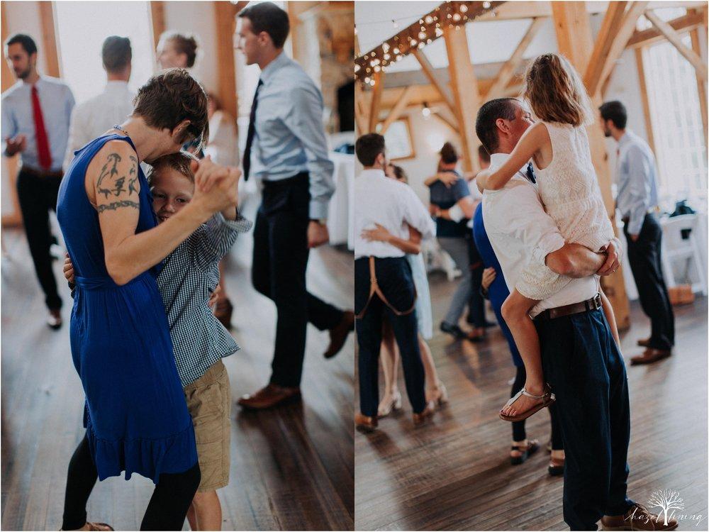 mariah-kreyling-samuel-sherratt-sherrattwiththeworld-peirce-farm-at-witch-hill-boston-massachusetts-wedding-photography-hazel-lining-travel-wedding-elopement-photography_0189.jpg
