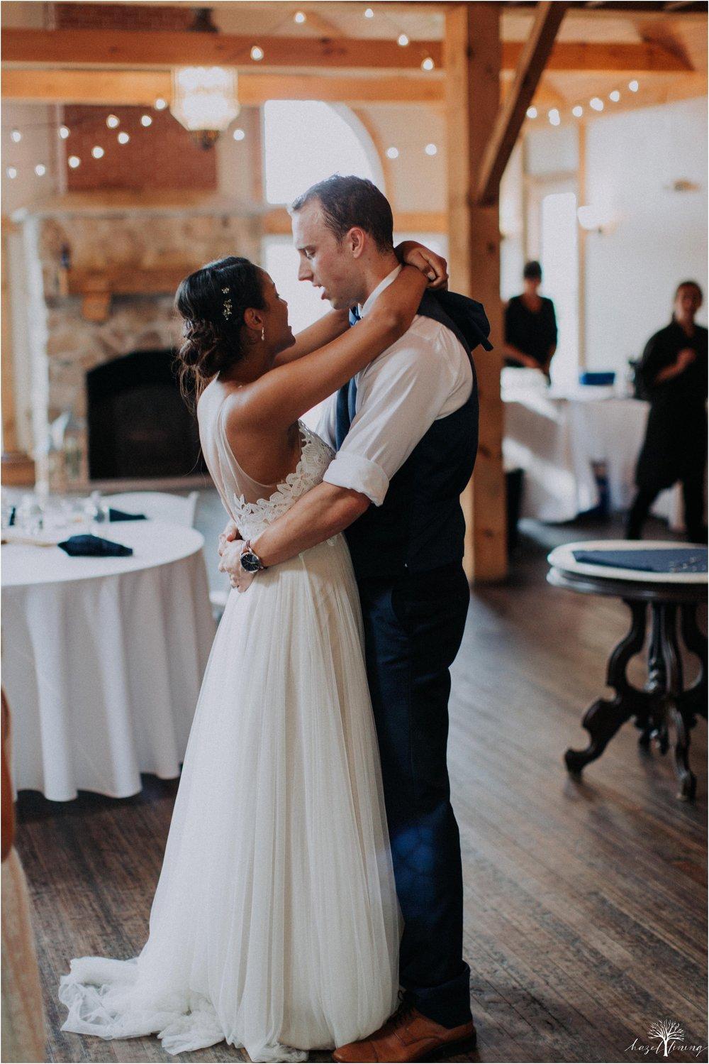 mariah-kreyling-samuel-sherratt-sherrattwiththeworld-peirce-farm-at-witch-hill-boston-massachusetts-wedding-photography-hazel-lining-travel-wedding-elopement-photography_0188.jpg