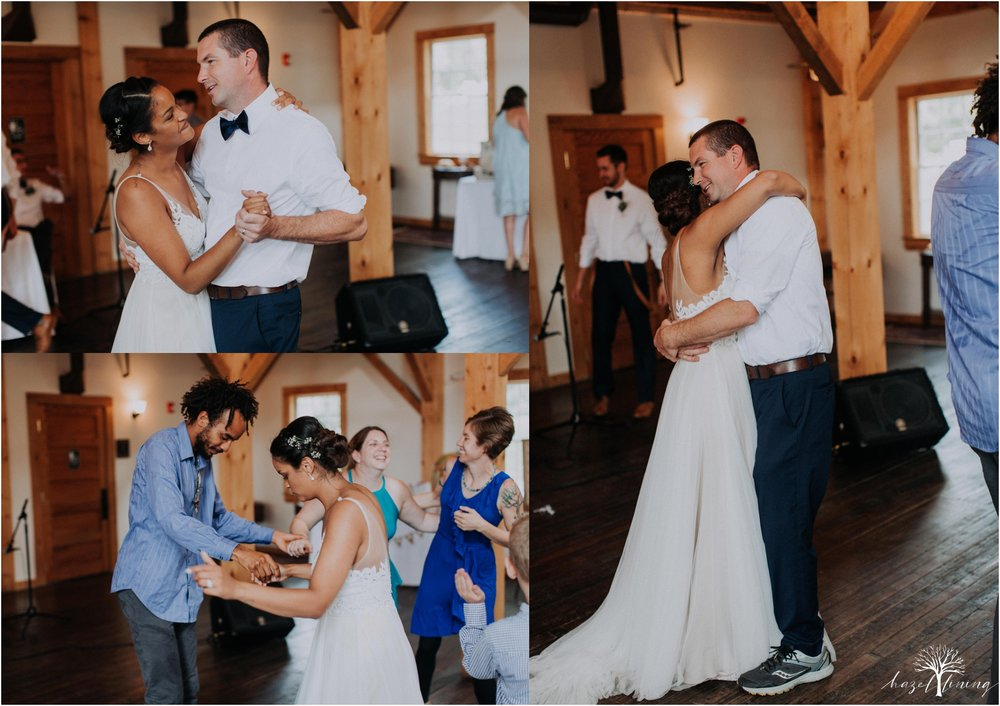 mariah-kreyling-samuel-sherratt-sherrattwiththeworld-peirce-farm-at-witch-hill-boston-massachusetts-wedding-photography-hazel-lining-travel-wedding-elopement-photography_0195.jpg
