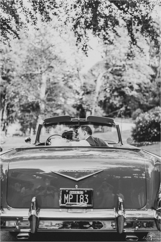 mariah-kreyling-samuel-sherratt-sherrattwiththeworld-peirce-farm-at-witch-hill-boston-massachusetts-wedding-photography-hazel-lining-travel-wedding-elopement-photography_0203.jpg