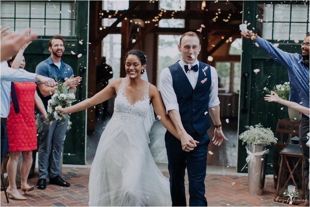 mariah-kreyling-samuel-sherratt-sherrattwiththeworld-peirce-farm-at-witch-hill-boston-massachusetts-wedding-photography-hazel-lining-travel-wedding-elopement-photography_0207.jpg