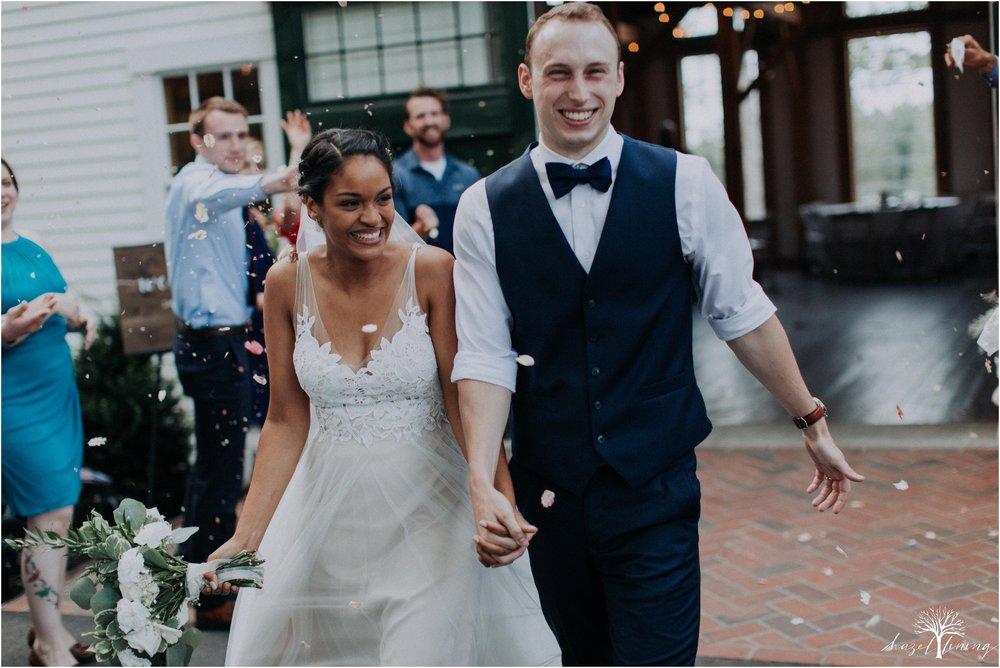 mariah-kreyling-samuel-sherratt-sherrattwiththeworld-peirce-farm-at-witch-hill-boston-massachusetts-wedding-photography-hazel-lining-travel-wedding-elopement-photography_0208.jpg