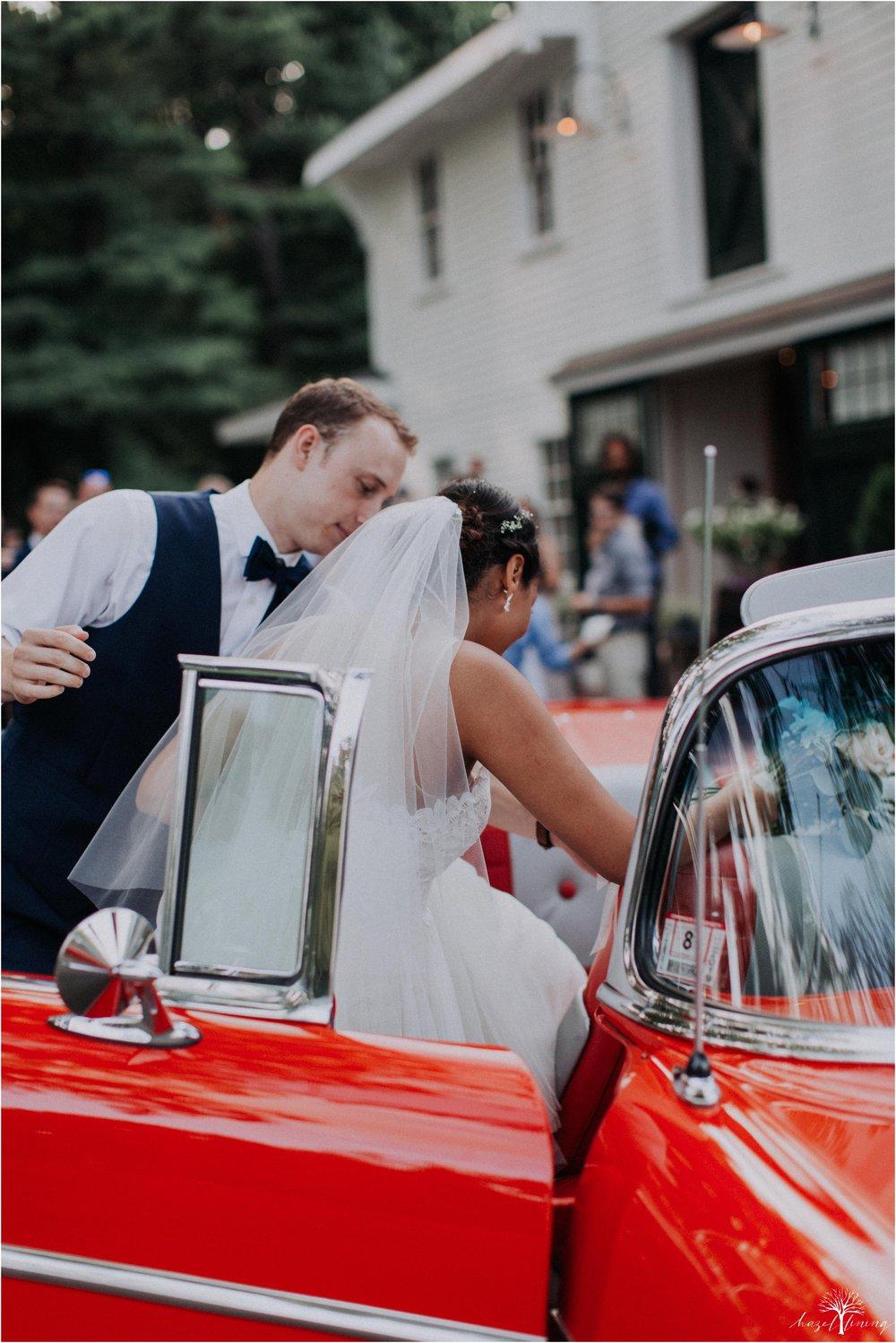 mariah-kreyling-samuel-sherratt-sherrattwiththeworld-peirce-farm-at-witch-hill-boston-massachusetts-wedding-photography-hazel-lining-travel-wedding-elopement-photography_0209.jpg