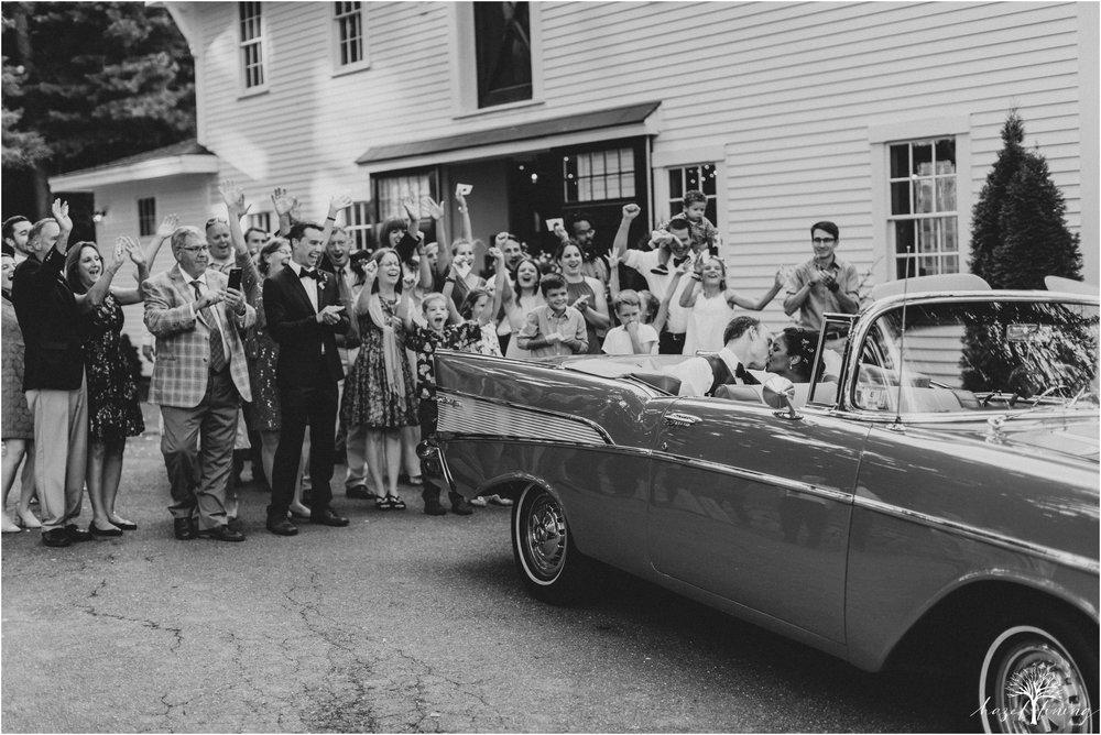 mariah-kreyling-samuel-sherratt-sherrattwiththeworld-peirce-farm-at-witch-hill-boston-massachusetts-wedding-photography-hazel-lining-travel-wedding-elopement-photography_0211.jpg