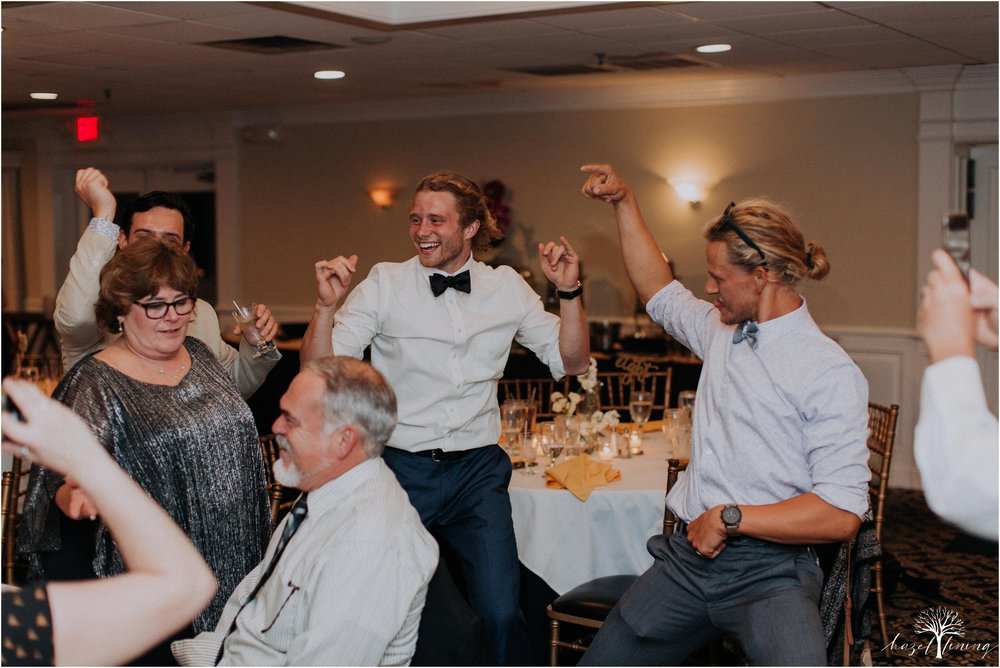 elizabeth-doelp-andrew-foreback-middletown-country-club-summer-langhorne-pennsylvania-wedding-hazel-lining-travel-wedding-elopement-photography_0161.jpg