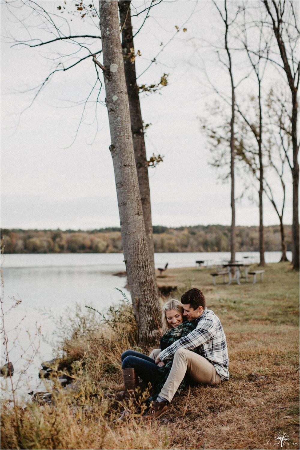 jessica-kern-david-siepietowski-lake-nockamixon-autumn-engagement-session_0036.jpg