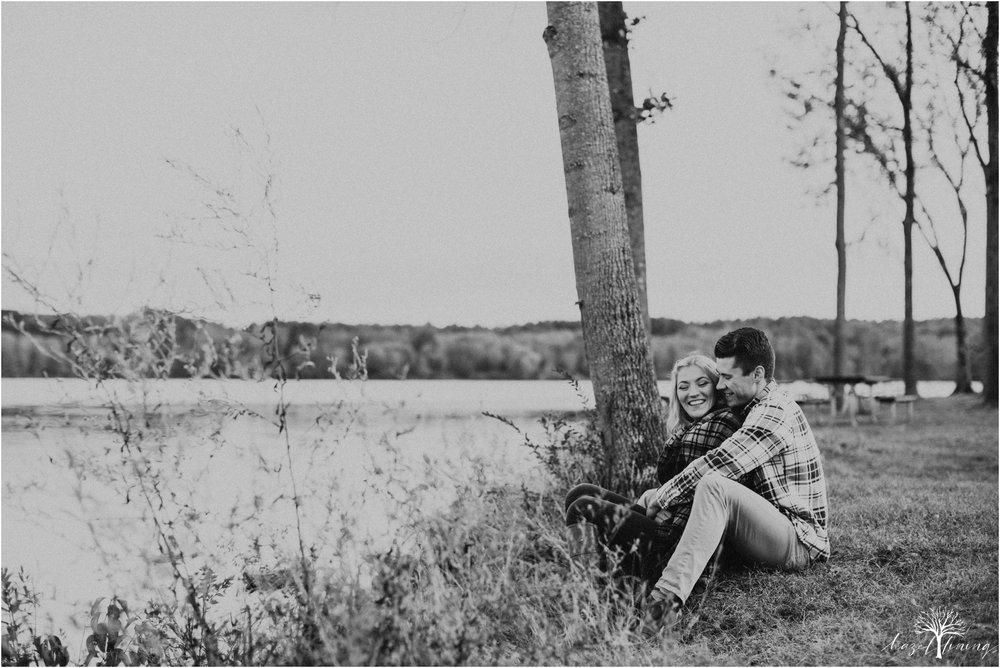 jessica-kern-david-siepietowski-lake-nockamixon-autumn-engagement-session_0039.jpg