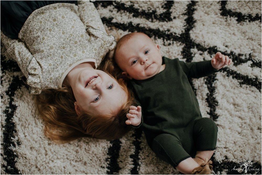 pellgrino-family-in-home-lifestyle-family-portraits_0007.jpg