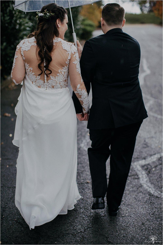 taylor-schloffer-zachary-onulack-la-massaria-at-bella-vista-fall-wedding_0049.jpg