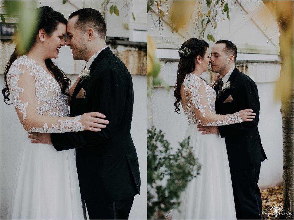 taylor-schloffer-zachary-onulack-la-massaria-at-bella-vista-fall-wedding_0052.jpg
