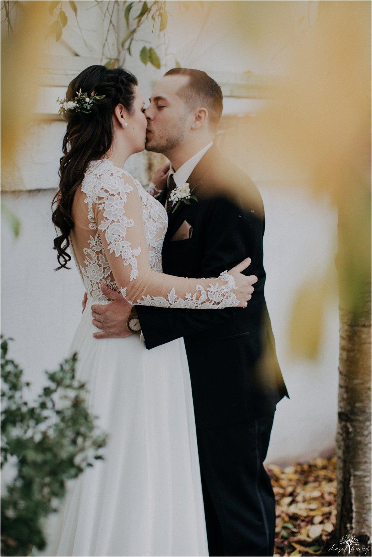 taylor-schloffer-zachary-onulack-la-massaria-at-bella-vista-fall-wedding_0053.jpg