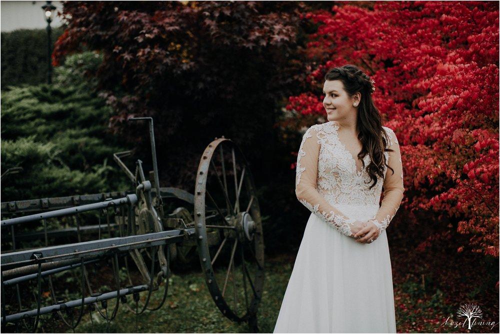taylor-schloffer-zachary-onulack-la-massaria-at-bella-vista-fall-wedding_0111.jpg