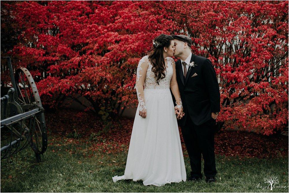 taylor-schloffer-zachary-onulack-la-massaria-at-bella-vista-fall-wedding_0116.jpg