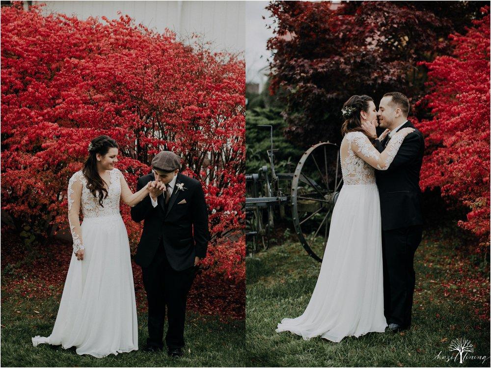 taylor-schloffer-zachary-onulack-la-massaria-at-bella-vista-fall-wedding_0117.jpg