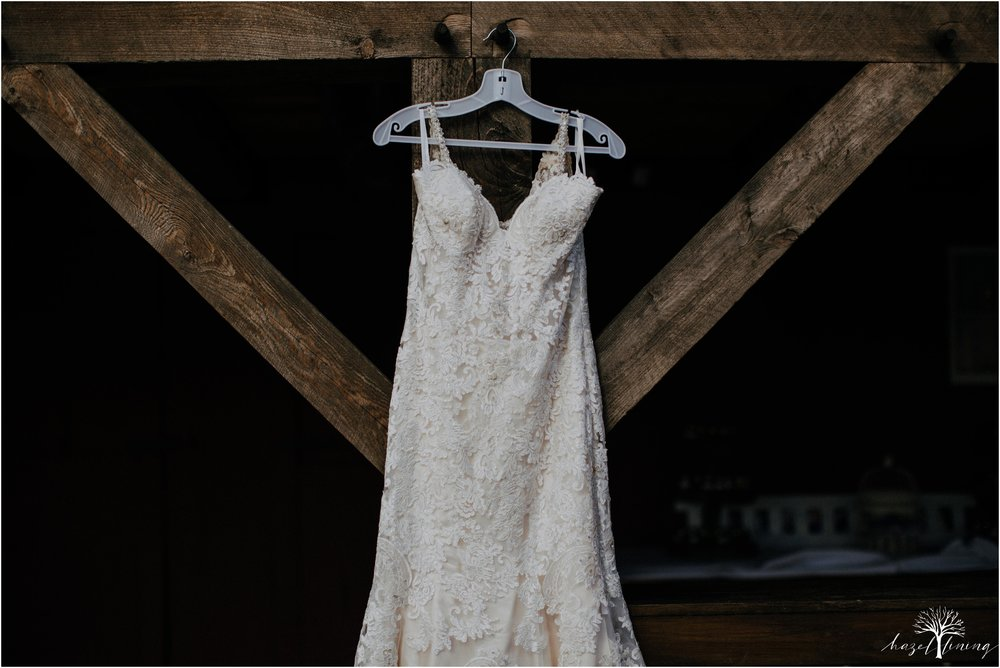 briana-krans-greg-johnston-farm-bakery-and-events-fall-wedding_0004.jpg