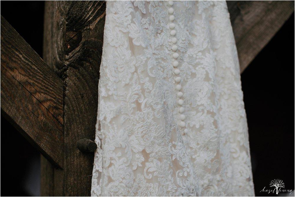 briana-krans-greg-johnston-farm-bakery-and-events-fall-wedding_0006.jpg