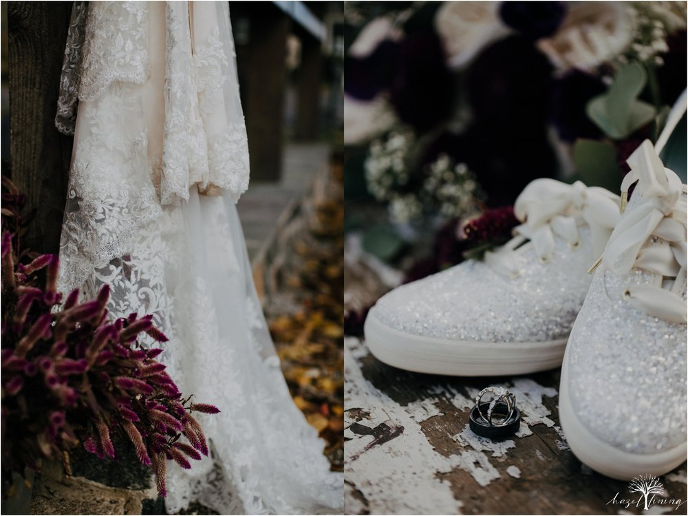 briana-krans-greg-johnston-farm-bakery-and-events-fall-wedding_0007.jpg