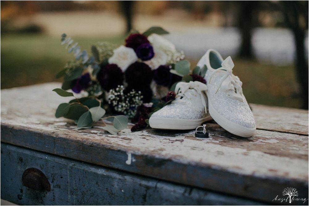 briana-krans-greg-johnston-farm-bakery-and-events-fall-wedding_0008.jpg