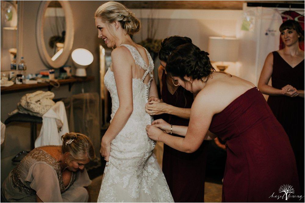 briana-krans-greg-johnston-farm-bakery-and-events-fall-wedding_0013.jpg