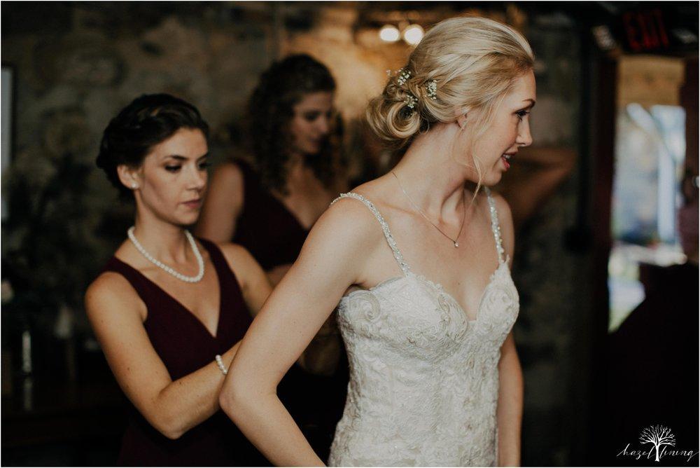 briana-krans-greg-johnston-farm-bakery-and-events-fall-wedding_0014.jpg