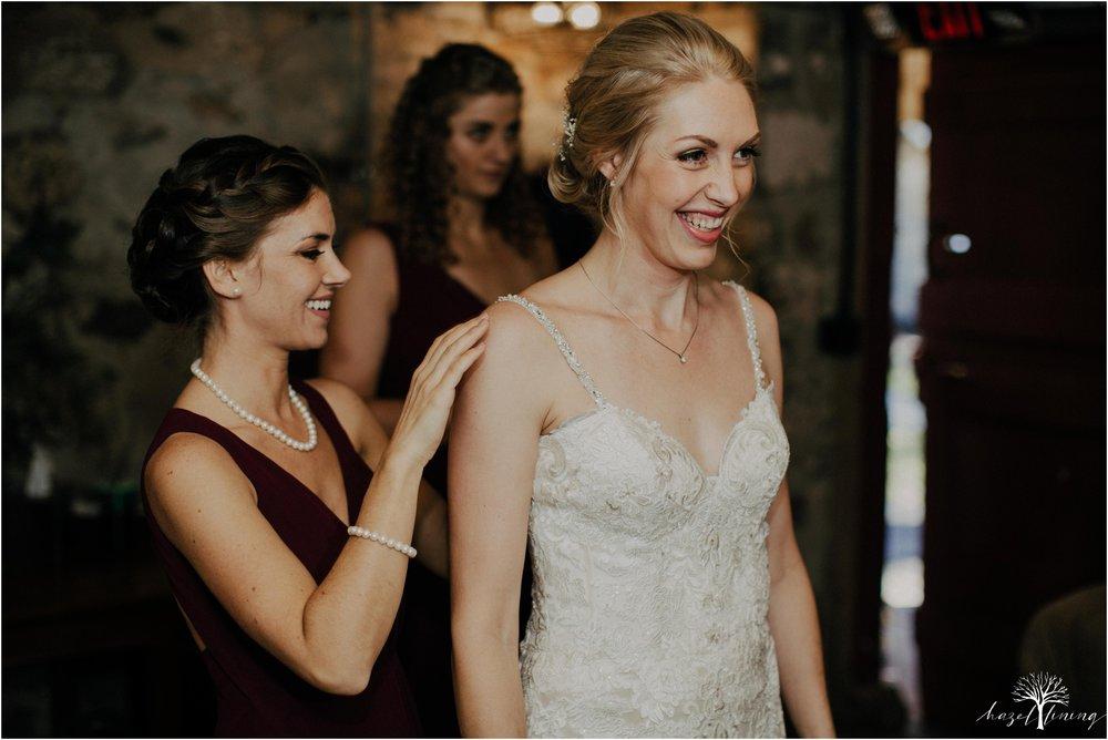 briana-krans-greg-johnston-farm-bakery-and-events-fall-wedding_0015.jpg