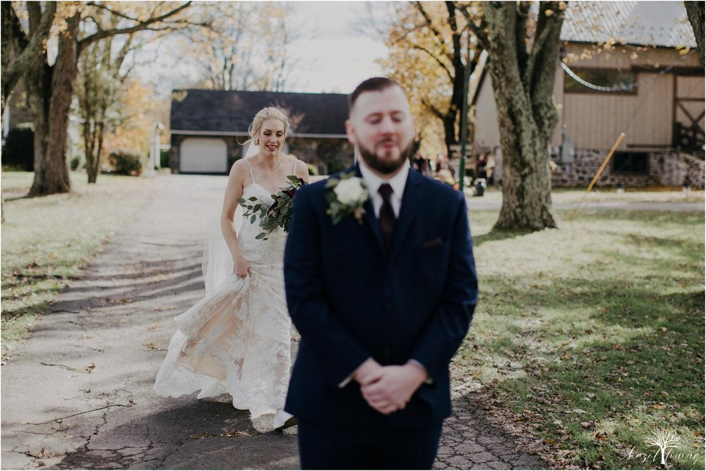 briana-krans-greg-johnston-farm-bakery-and-events-fall-wedding_0020.jpg