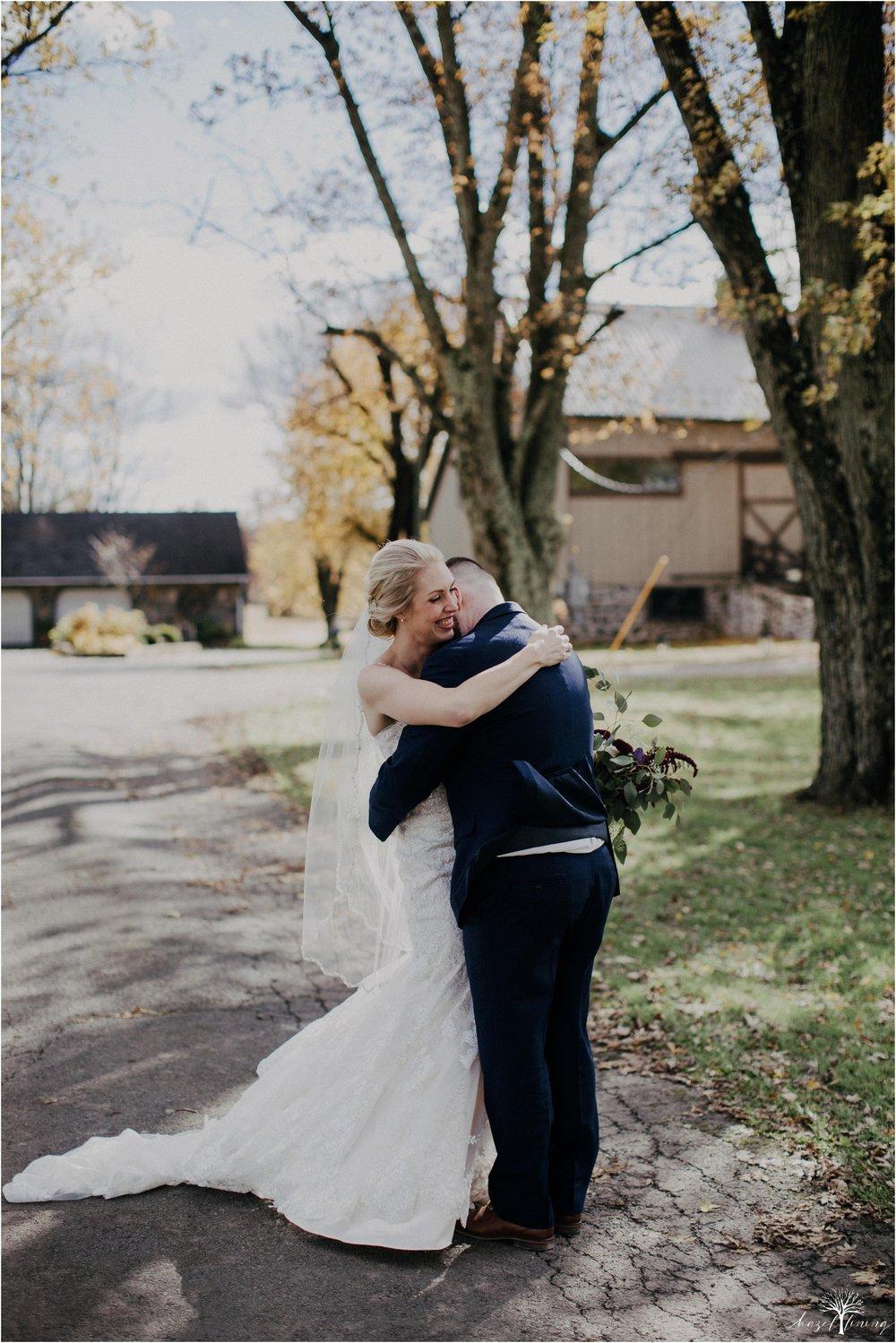 briana-krans-greg-johnston-farm-bakery-and-events-fall-wedding_0025.jpg