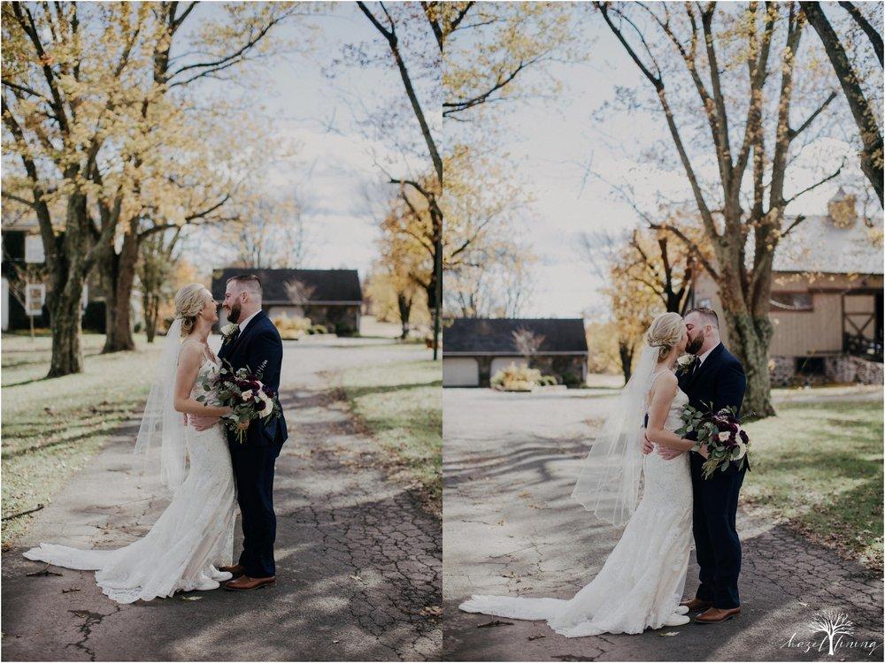 briana-krans-greg-johnston-farm-bakery-and-events-fall-wedding_0028.jpg