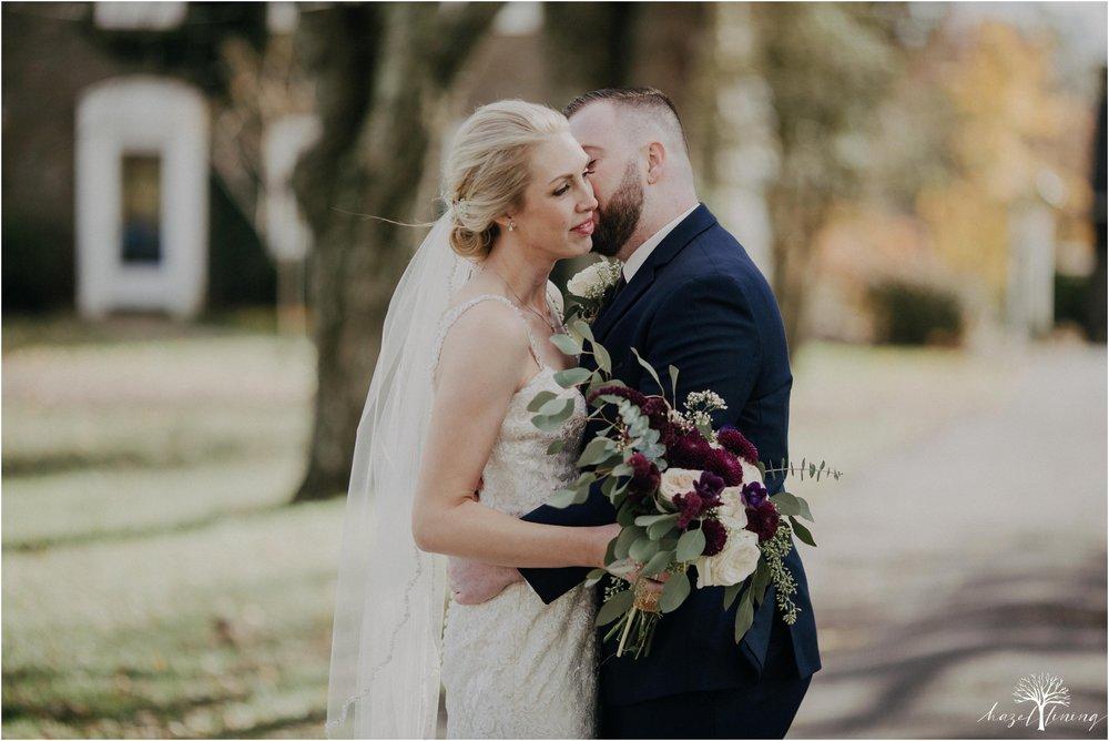 briana-krans-greg-johnston-farm-bakery-and-events-fall-wedding_0030.jpg