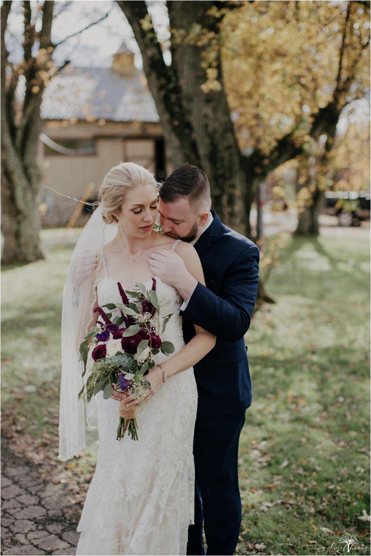 briana-krans-greg-johnston-farm-bakery-and-events-fall-wedding_0032.jpg