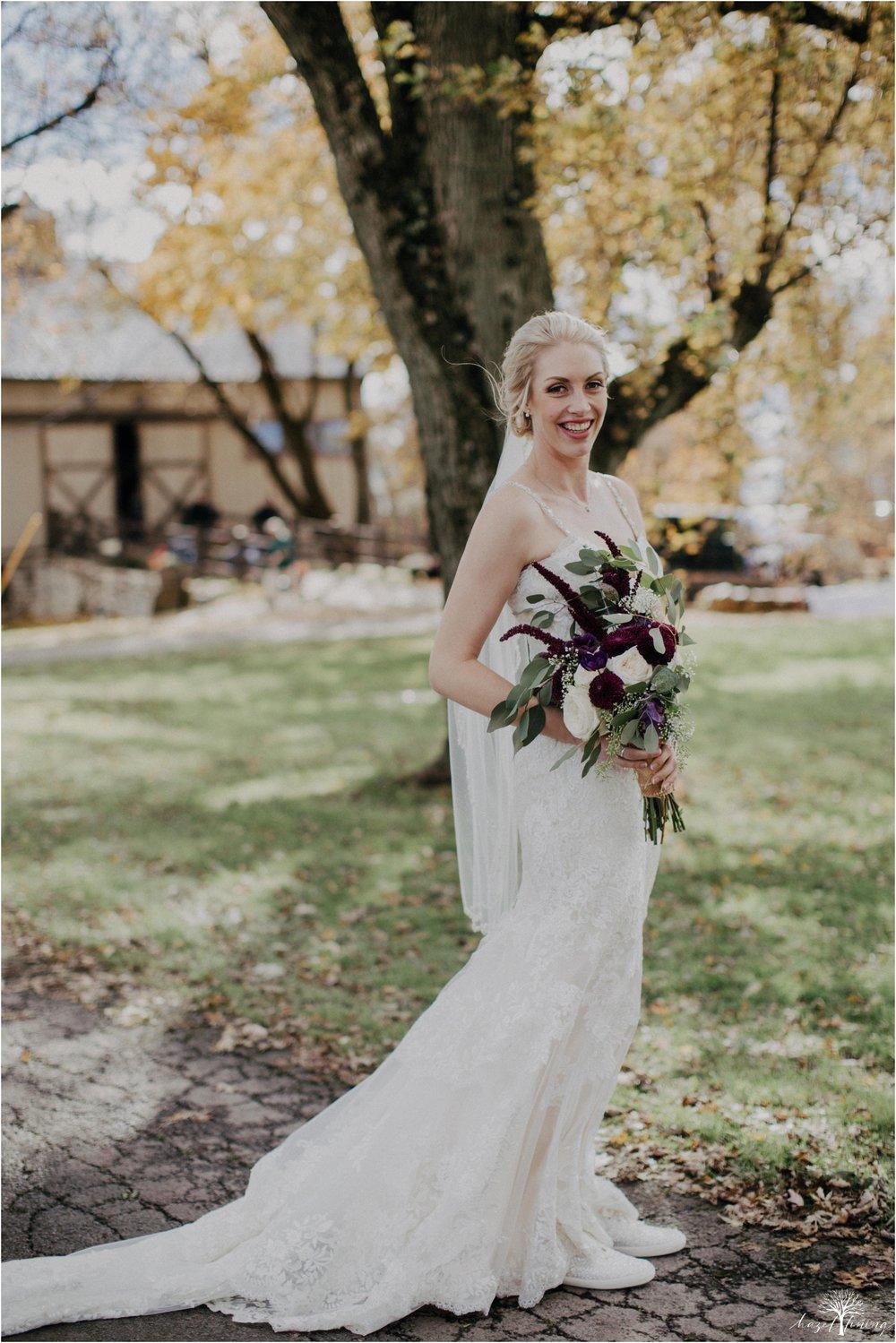 briana-krans-greg-johnston-farm-bakery-and-events-fall-wedding_0037.jpg